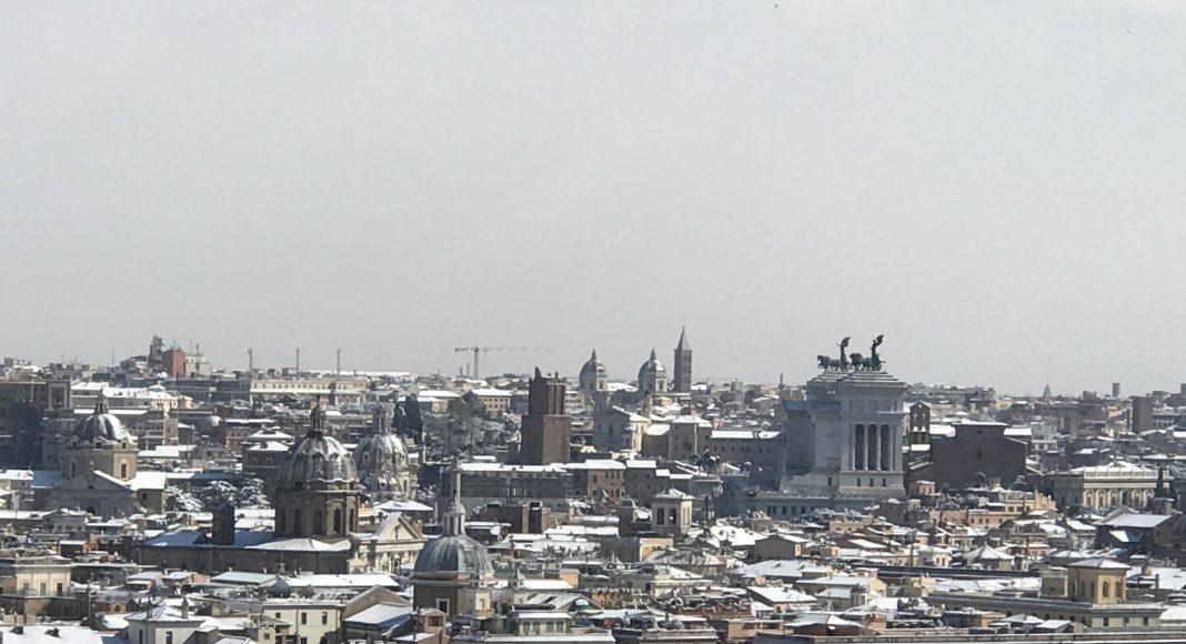 Vista Panoramica Roma con la Neve